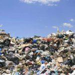 España, vertedero ilegal con exceso de basura.