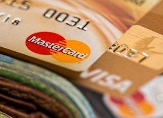 Tarjetas Visa y Mastercard pagan 5.350 millones de euros por pactar comisiones