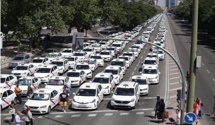 Taxistas amenazan con colapsar Madrid