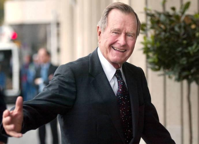 Expresidente George H. W. Bush en una imagen de 2002