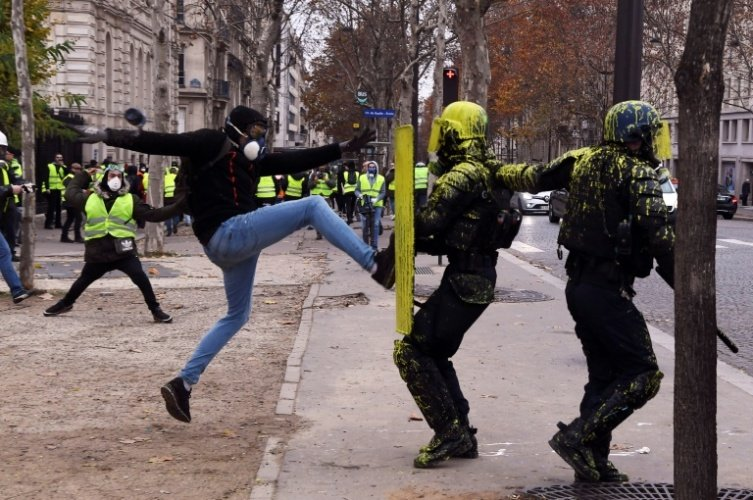 Macron hizo un llamado a la calma tras protestas en Francia