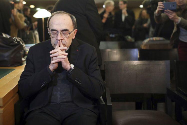 Francia juzga a cardenal