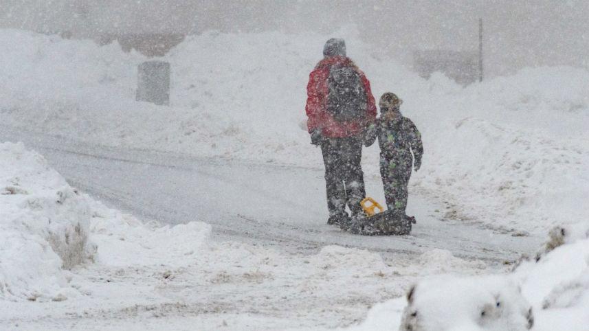 Fuertes nevadas causan 12 muertos