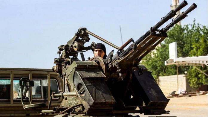 Al menos 121 muertos en nuevos combates en Libia