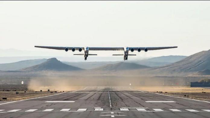 El avión más grande del mundo despega de California