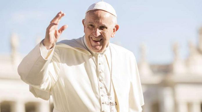 Papa Francisco brindo apoyo a una familia musulmana amenazada en Roma