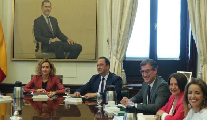La Mesa pospone la suspensión de los diputados presos y pide un informe a los letrados del Congreso