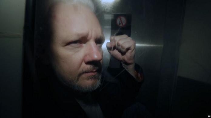 Suecia rechaza emitir una orden de detención contra Julian Assange por violación