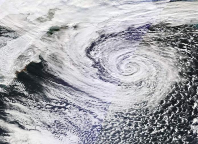 Tormenta en Estados Unidos en alerta a convertirse en huracán