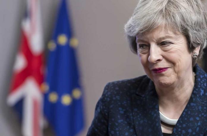 Theresa May critica el carácter de Boris Johnson