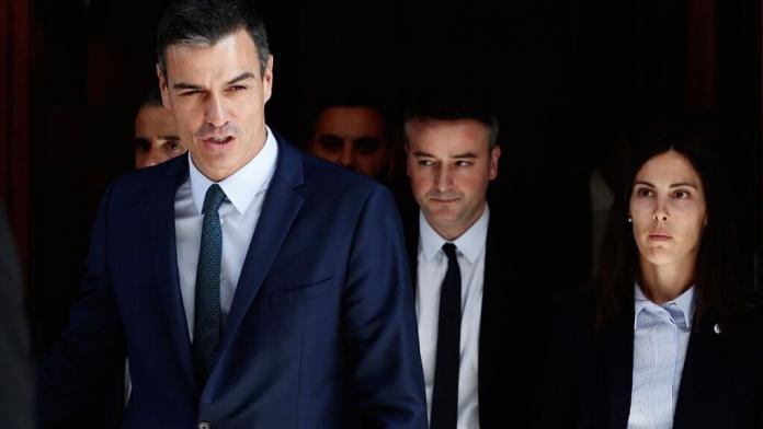 Pedro Sánchez, el jueves pasado al salir del Congreso de los Diputados tras el naufragio de su investidura. EFE