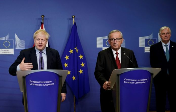 bruselas y londres alcanzan un acuerdo para el brexit
